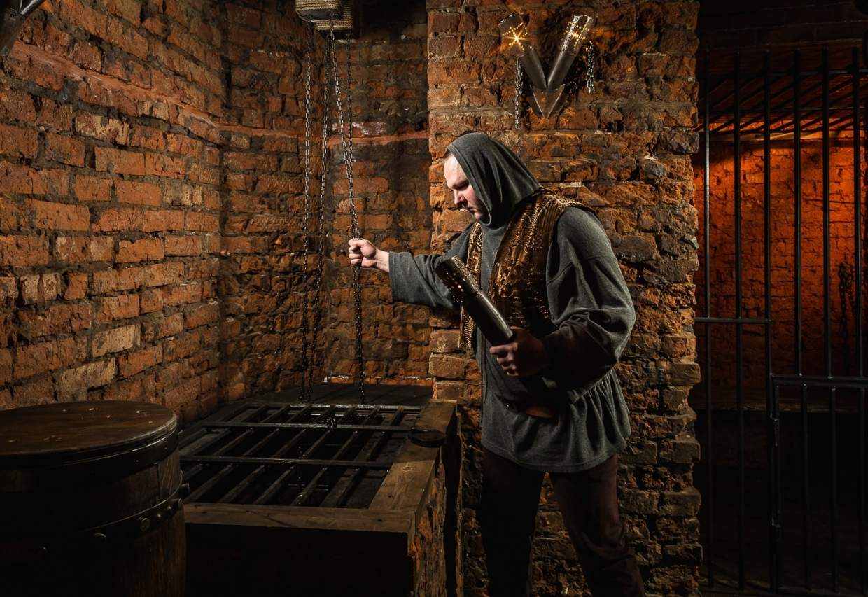 Escape Game Curse of a dead one, Claustrophobia . Moscow.