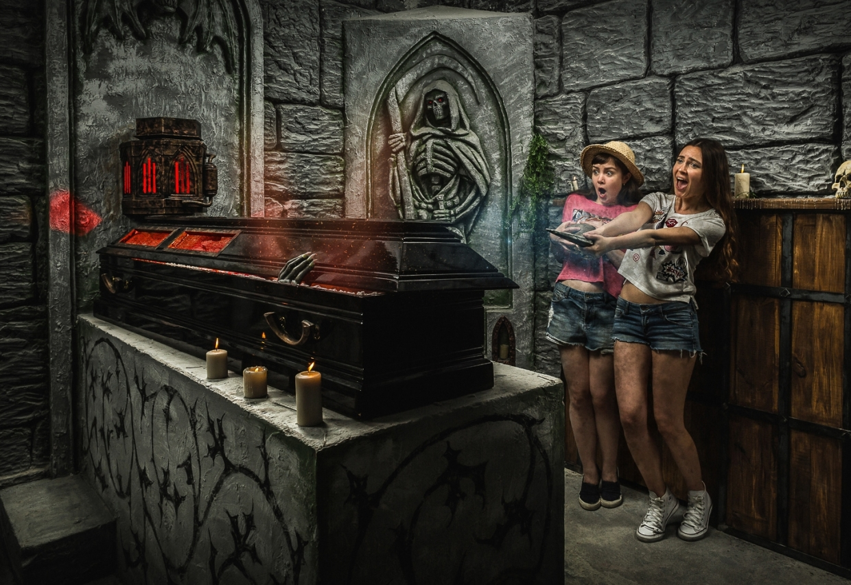 Escape Game Saga about Vampire, Claustrophobia . Moscow.